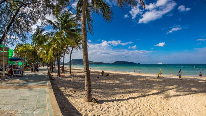 Der Patong Beach auf Phuket